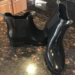 Tory Burch Chelsea rain boots